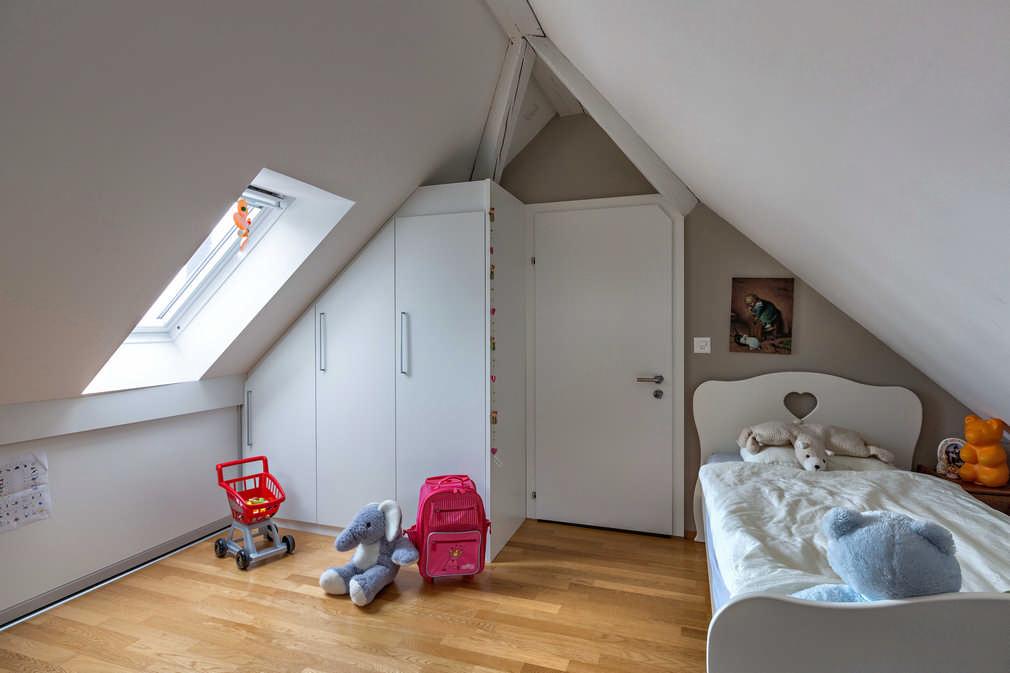 Drehtürenschrank in der Dachschräge Zürich 0