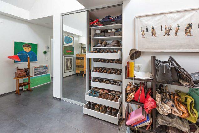 Garderobe mit Schuhregal und Spiegelfront Zürich 1