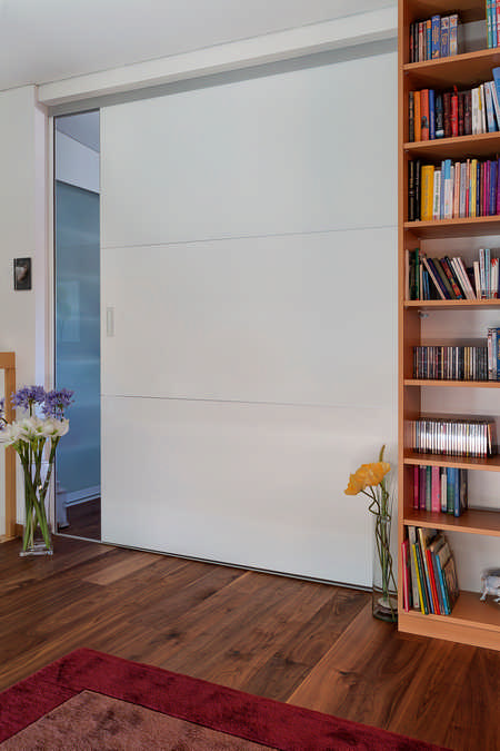 Schiebetüre als Raumteiler in Wand versenkt Eschen 1
