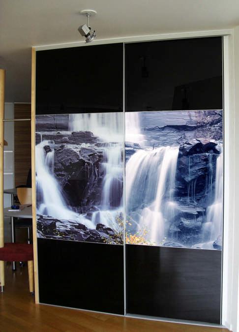 Home   Schiebetüren mit Querfries in Fotomotiv Wasserfall Dintikon