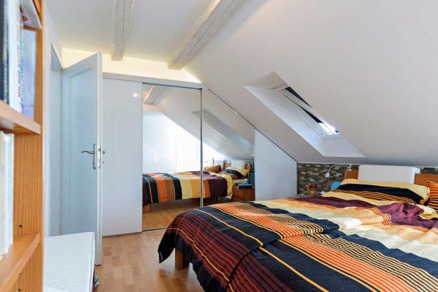 Schlafzimmer Dachschrägenschiebetürschrank Hinwil 0