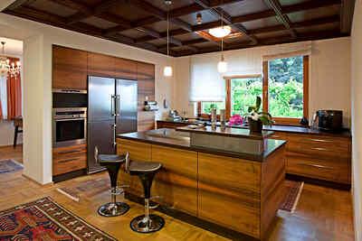 Home   Schreiner Küche mit 6 verschiedenen Holzarten Feldkirch