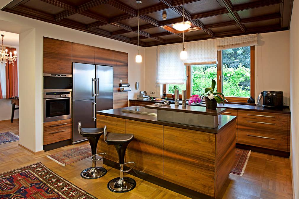 Schreiner - Küche mit 6 verschiedenen Holzarten Feldkirch