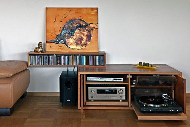 Sideboard CD halter Stereoanlage mit Plattenspieler kombination Feldkirch 1