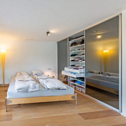 Verspiegelter Einbauschrank Schlafzimmer Glarus 2
