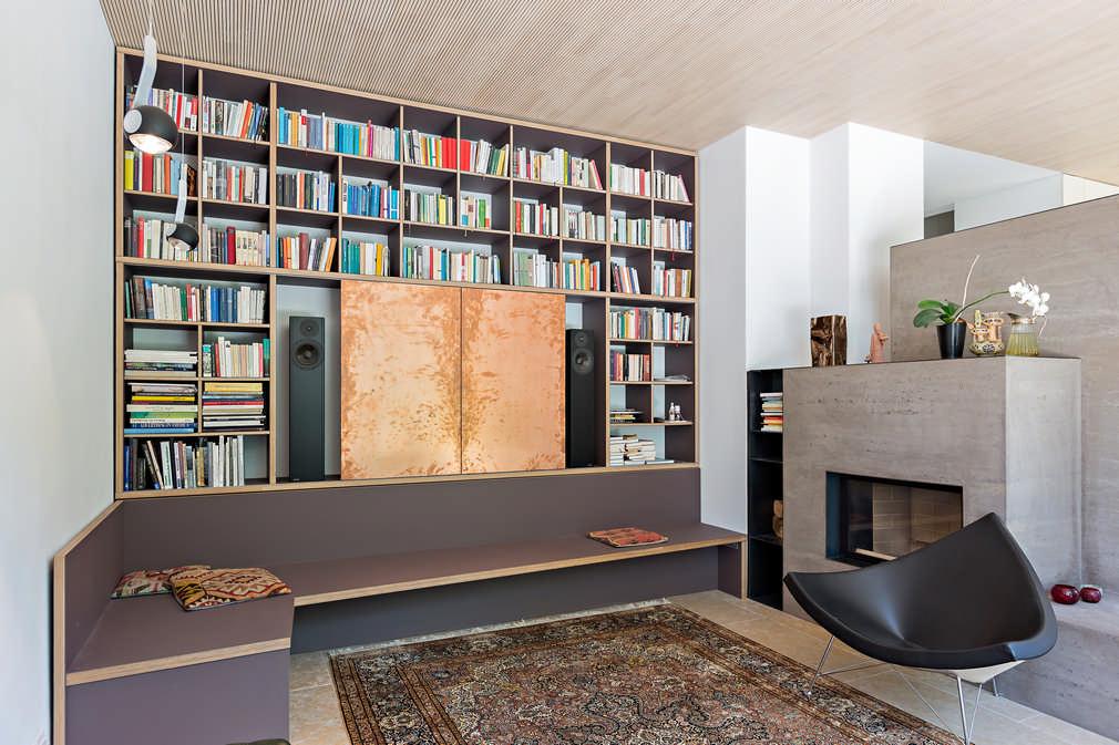Wohnwand mit Sitzgruppe für Bücher, Fernseher und Stereoanlage im Wohnzimmer Wettingen 0