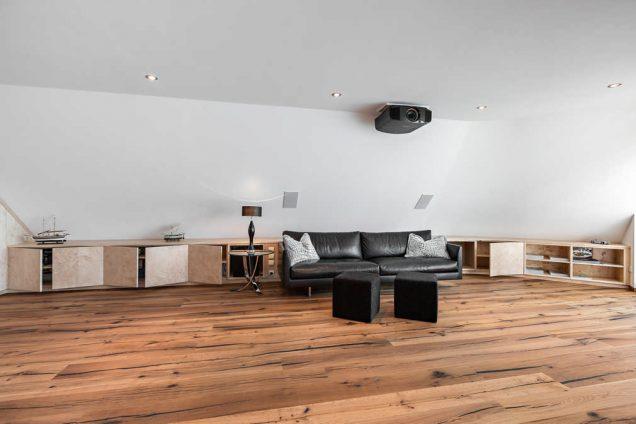 Wohnzimmer Sideboard unter Dachschräge Feldkirch 0